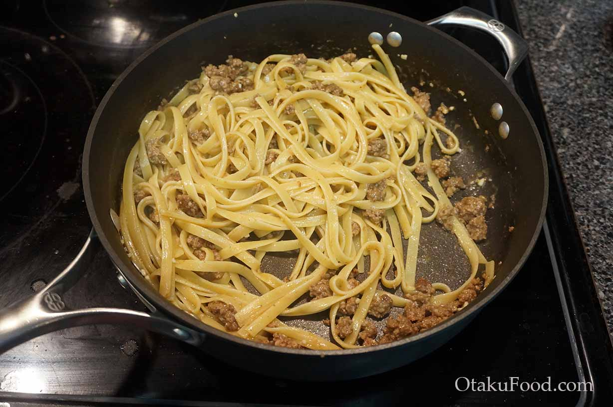 Fettuccine with Miso Meat Sauce